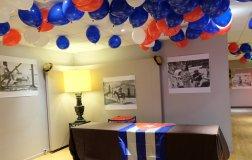 Déco cubaine : expo, drapeaux et ballons
