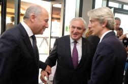 L Fabius, JP Raffarin et E Lenain