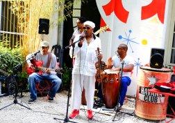 Neslon Palacios en concert a Plaza Havana